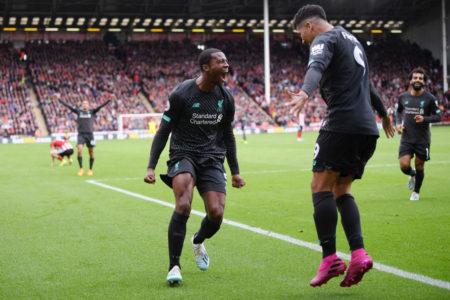 Die Erlösung in Sheffield: Georginio Wijnaldum und Roberto Firmino (r.) feiern den Treffer zum 1:0 für den FC Liverpool.