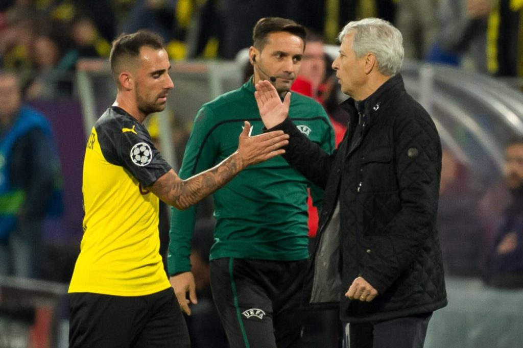 Paco Alcácer (l.) ist als Standard-Spezialist und einzige Spitze Dortmunds Allzweckwaffe.