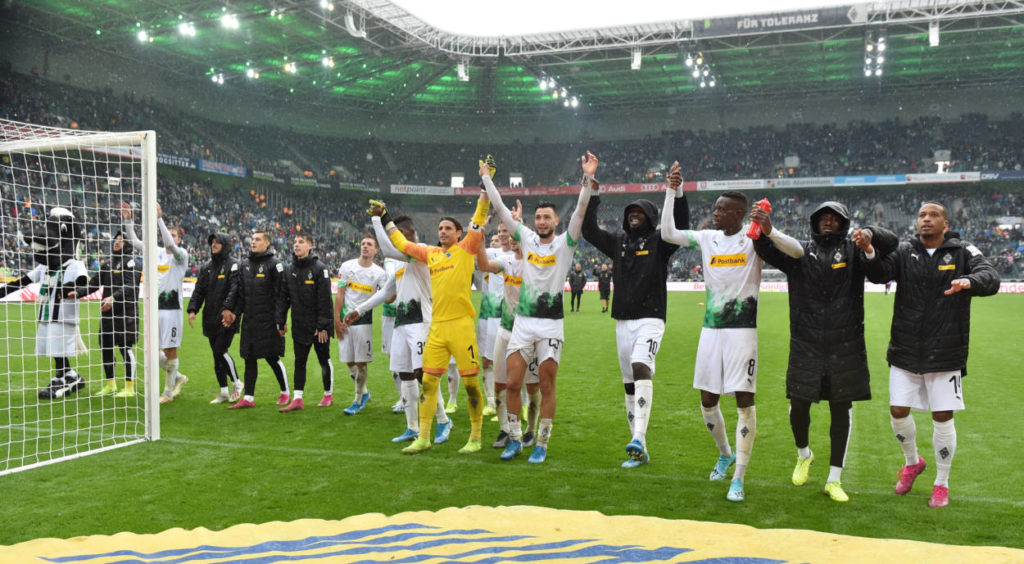 Jubel bei Borussia Mönchengladbach: Am 6. Oktober 2019 springt man mit einem 5:1 gegen den FC Augsburg an die Tabellenspitze der Fußball-Bundesliga.