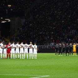 """Das ,,stille Gedenken"""" vor dem Spiel Deutschland gegen Argentinien für die Opfer von Halle war dann doch nicht ganz so still.."""