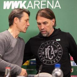 Niko Kovac und Martin Schmidt (r.) nach dem packenden 2:2 zwischen dem FC Augsburg und dem FC Bayern München am 19. Oktober 2019.
