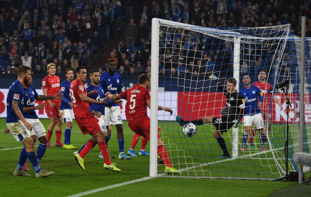 Dieses Tor von Jonas Hector (r.) für den 1. FC Köln zum 1:1-Endstand kostete Schalke 4 am 5. Oktober 2019 die Tabellenführung in der Bundesliga...