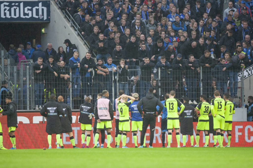 Spieler und Fans des SC Paderborn 07 sind ratlos.