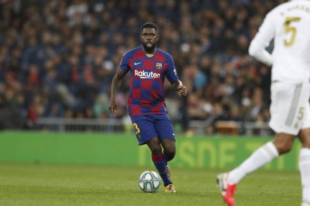 Barcelona offer defender to Manchester United and Arsenal