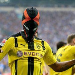 Aubameyang im Maskenjubel für Dortmund 2017