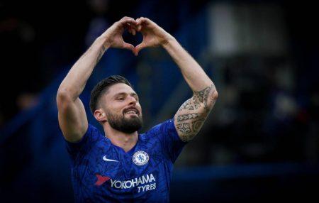 Giroud reveals reason behind Chelsea extension