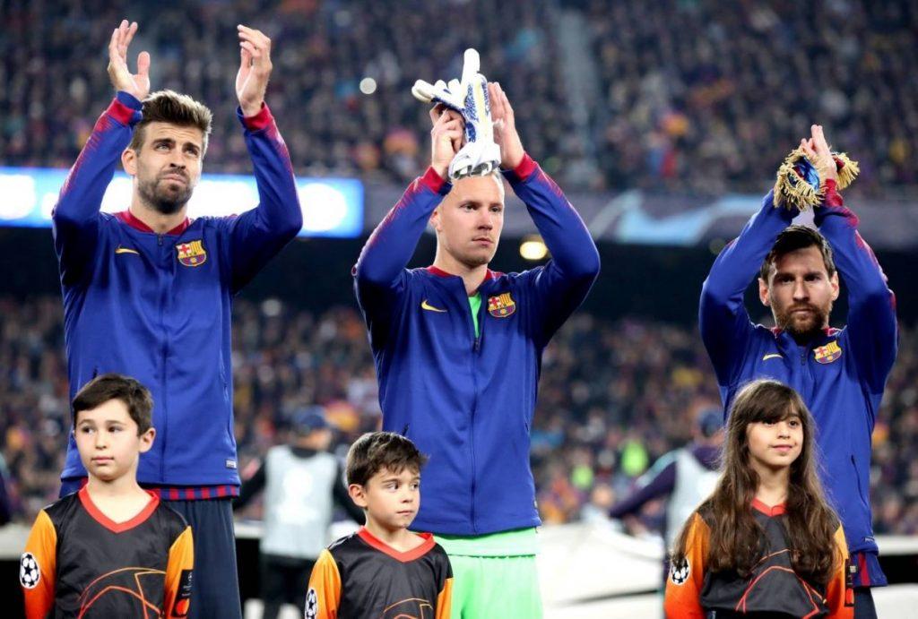 Marc-Andre Ter Stegen spielt beim FC Barcelona unter Weltstars wie Lionel Messi (r.) und Gérard Piqué.