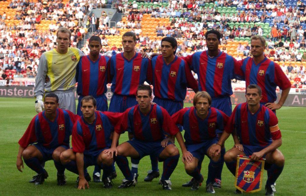 Eines der wenigen Mannschaftsfotos des FC Barcelona mit Robert Enke (stehend, ganz links).