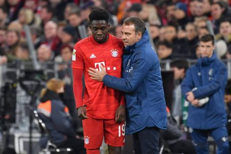 Flick hails young Bayern headliner