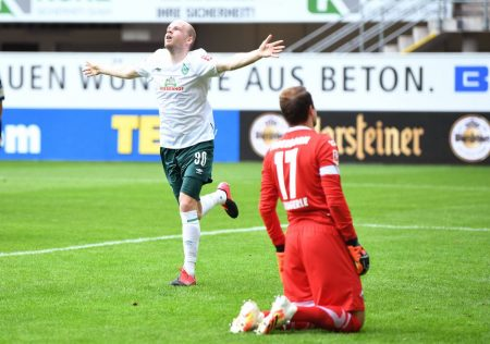 Torschütze Davy Klaassen beim Spiel der Fussball Bundesliga SC Paderborn 07 - SV Werder Bremen.