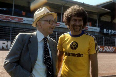 Paul Breitner (r.) spielte nur 1977/78 für Eintracht Braunschweig – und das sicher nicht für Taschengeld. In 30 BL-Spielen gelangen dem Weltmeister von 1974 zehn Tore.