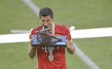 Robert Lewandowski finished BL season as top-scorer with 34 goals