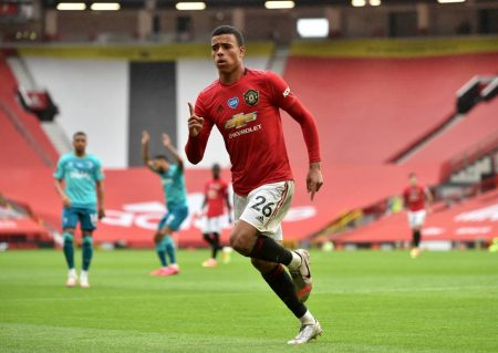 Man Utd hammer Bournemouth